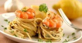 Riesen-Garnelen auf Zitronen-Spinat-Pasta Rezept