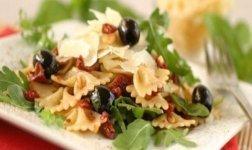 Mediterraner Pasta-Salat Rezept