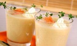 Spargel-Crèmesuppe mit Lachsstreifen Rezept