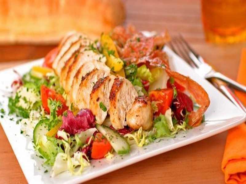 Hühnerbrust-Salat mit San Daniele und Kartoffel-Dressing