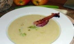 Deftige Suppe mit Apfel und Kartoffel Rezept