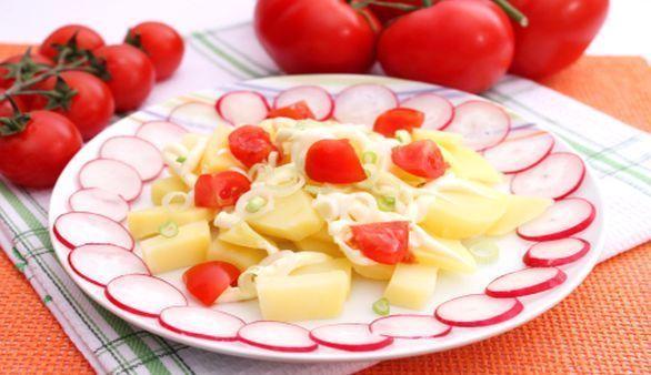 Kartoffel-Radieschen-Salat mit Rauke