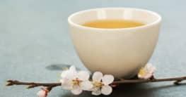 Pflaumen-Johannisbeerblätter-Tee