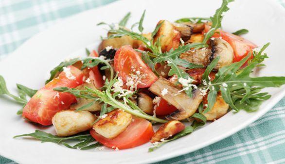 Low Carb Hähnchengeschnetzeltes mit Champignons und Tomaten