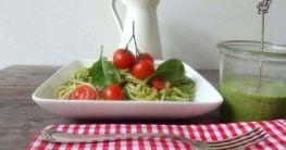 Spaghetti mit aromatischem Spinat-Pesto