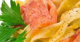 Tortiglioni mit Lachs in Safransosse