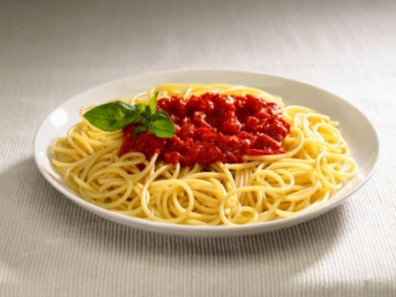 spaghetti mit tomatensauce rezept 1001 kochrezepte. Black Bedroom Furniture Sets. Home Design Ideas