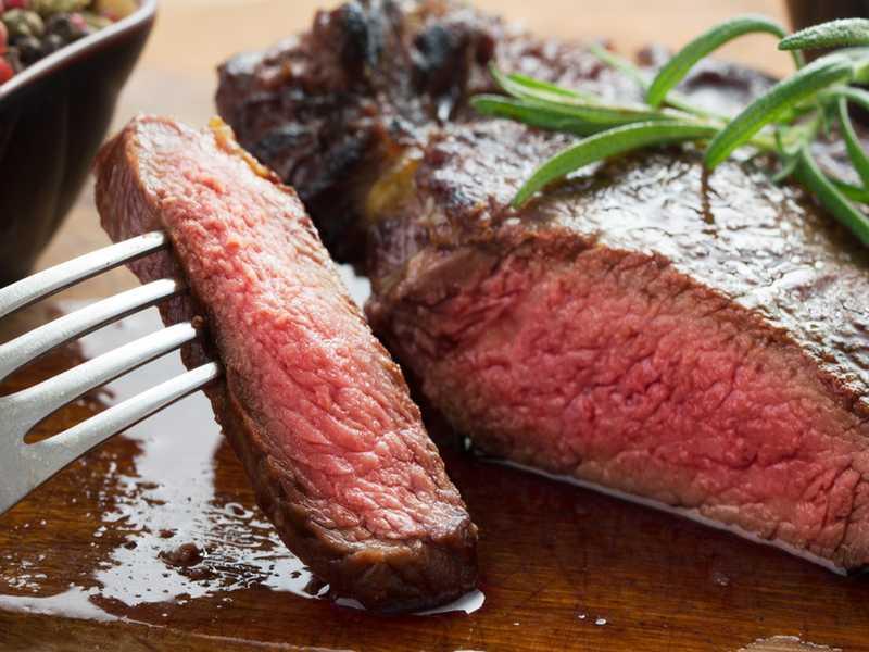 Kochmythen: Fleisch muß bei hoher Hitze angebraten werden. Richtig?