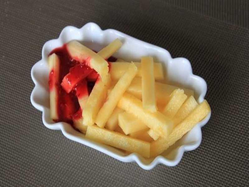 Ananas Fritten mit Himbeerketchup Rezept