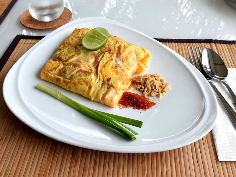 Pad Thai Omelette ©iStockphoto/thaloengsak