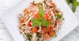 Thai-Salat mit Lachs